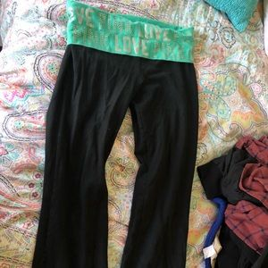 PINK Victoria Secret Rhinestone Yoga Pants !